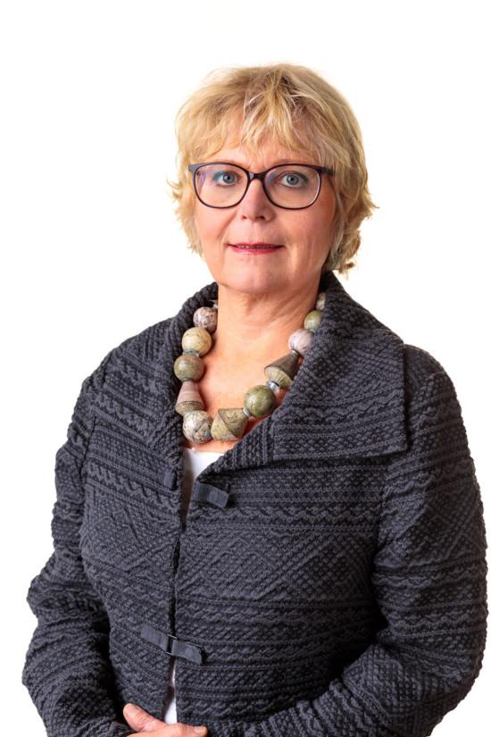 Bettina Lobenberg initio Consultant