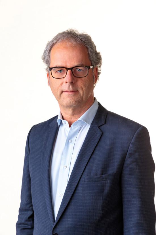 Philip Dönhoff - initio Consultant